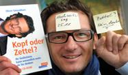 "Lustiges Bild: Oliver Geisselhart ""Kopf der Zettel?"""