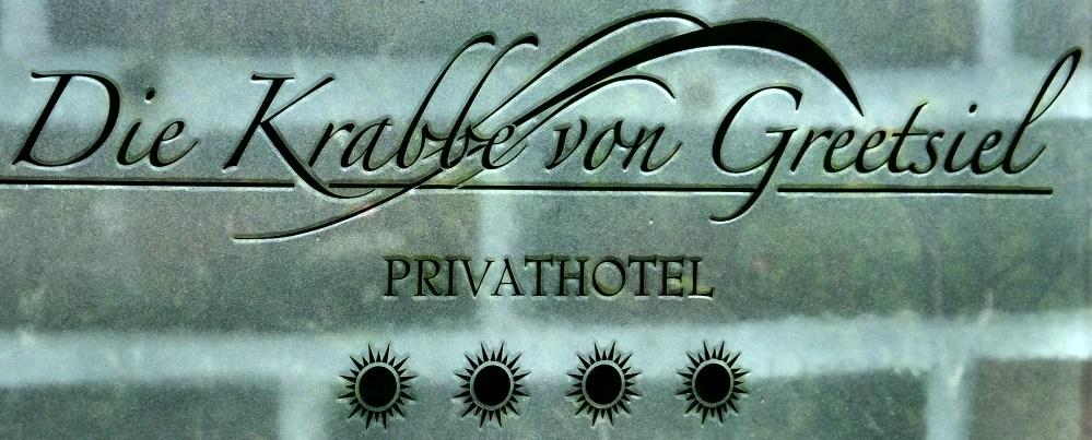Krabbe von Greetsiel Privathotel Schild bySchulzPhotographie