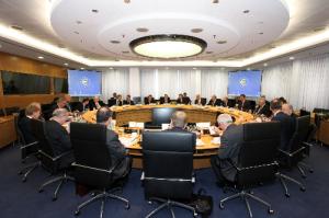Mitglieder des EZB im Konferenzraum