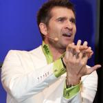 Slatco Sterzenbach während eines Vortrages